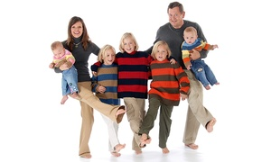 Glamour Shots Photo: $29 for an Individual, Family, or Kids In-Studio Photo Shoot at Glamour Shots ($499 Value)