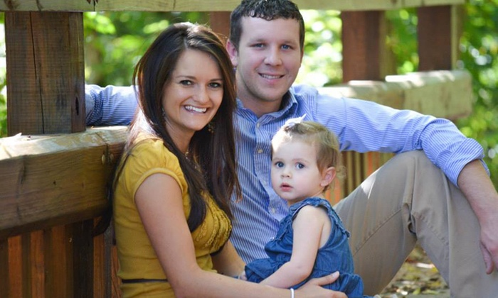 Laura Lee Photography - Nashville-Davidson metropolitan government (balance): $89 for a 60-Minute Outdoor Photo Shoot with a CD of Images from Laura Lee Photography ($300 Value)