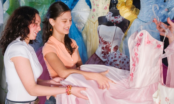Macy's Miami International Mall Hispanic Heritage Month: Quinceanera Expo 2015 - Macy's Miami International Mall: Macy's Miami International Mall Hispanic Heritage Month: Quinceanera Expo 2015 on Saturday, October 3, at 3 p.m.