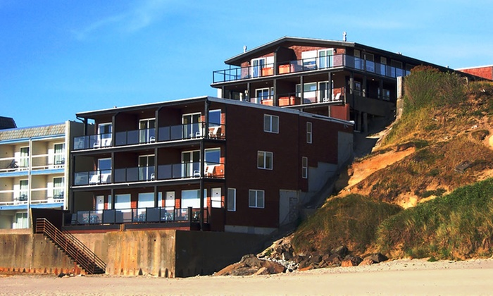 Beachfront Manor Hotel - Lincoln City, OR: 3-Night Stay at Beachfront Manor Hotel in Coastal Oregon