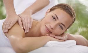 Centro benessere Luna Catini: 3 massaggi di 45 minuti a scelta abbinati a fanghi in zona Monteverde (sconto fino a 78%)
