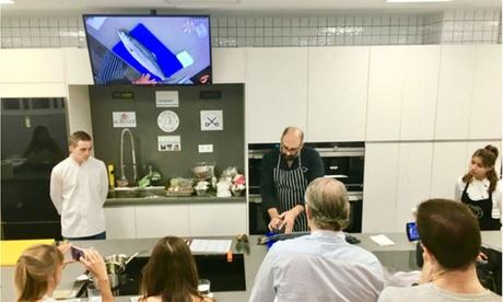 Curso de alta cocina profesional con chefs de prestigio a elegir para 1, 2 o 4 personas desde 39,90 € en Contacto Cocina