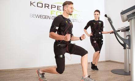 2x oder 4x EMS-Training mit Personal Trainer und Wasser-Flatrate bei Körperformen Braunschweig (bis zu 83% sparen*)