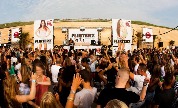 flirterz on the beach 2014 After a succesfull first edition, the story continues on march 31st 2018 beachclub vroeger will be the place to be again for johan gielen trance.