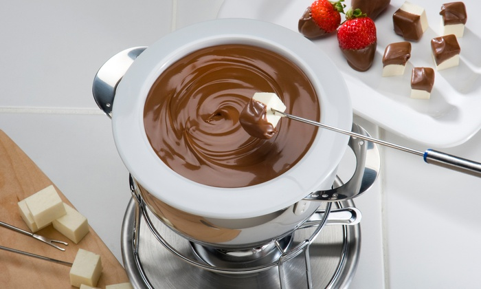 Disiac Lounge - Midtown: Cheese or Chocolate Fondue and Wine for Two or Four at Disiac Lounge (Up to 52% Off)