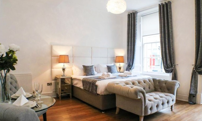 Edinburgh Castle Apartments in - Edinburgh | Groupon Getaways