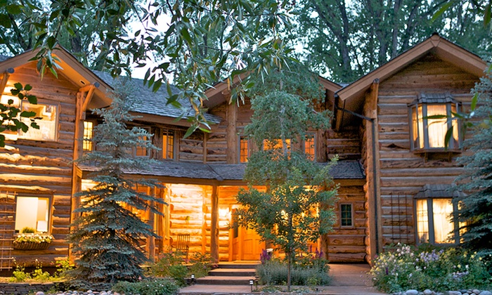 The Bentwood Inn - Jackson Hole, WY: 2-, 3-, or 4-Night Stay for Two with Optional Safari and Dinners at The Bentwood Inn in Jackson Hole, WY