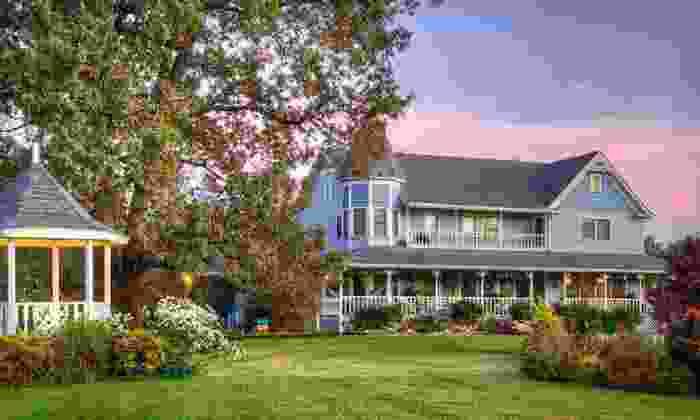 Blue Mountain Mist - Sevierville, TN: Two-Night Stay with Massage at Blue Mountain Mist in Sevierville, TN