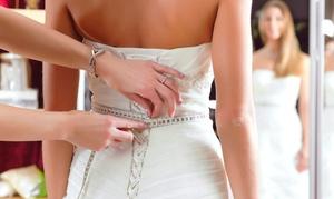 Finesse Noivas: Finesse Noivas – Barreiro: vestido de noiva, véu e arranjo (opção com vestido de daminha) – parcele sem juros