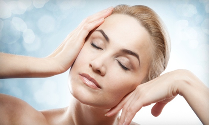 L.A. Viñas Plastic Surgery & Med Spa - Downtown West Palm Beach: Four or Six Microdermabrasions or One Facial Package at L.A. Viñas Plastic Surgery & Med Spa (Up to 77% Off)