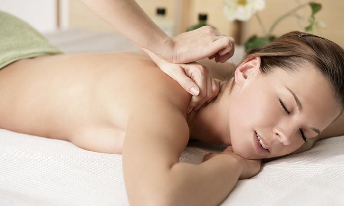 Esteticamente - ESTETICAMENTE (MESTRE): 2 massaggi di un'ora a scelta a 69 €
