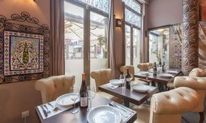 La Ménara: Couscous ou tajine fait maison pour 2 ou 4 personnes dès 28 € au restaurant La Ménara