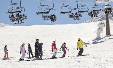 Curso de esquí de dos o cuatro horas para 1, 2 o 4 personas desde 29,95 € en Extrenieve