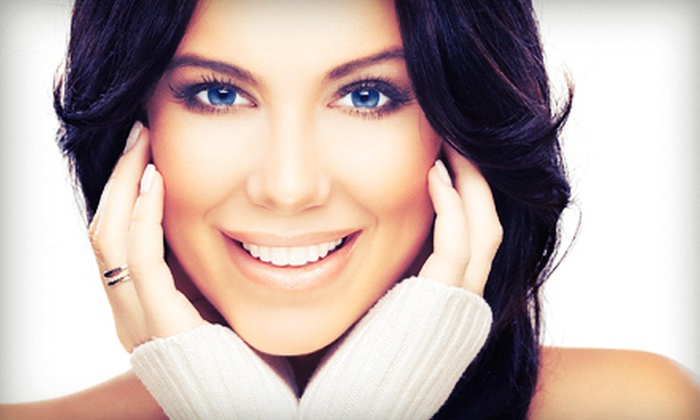Cosmetic Dental Studio - Broadstone: $39 for a New-Patient Dental Exam with X-rays, Cleaning, and Whitening Kit at Cosmetic Dental Studio ($515 Value)