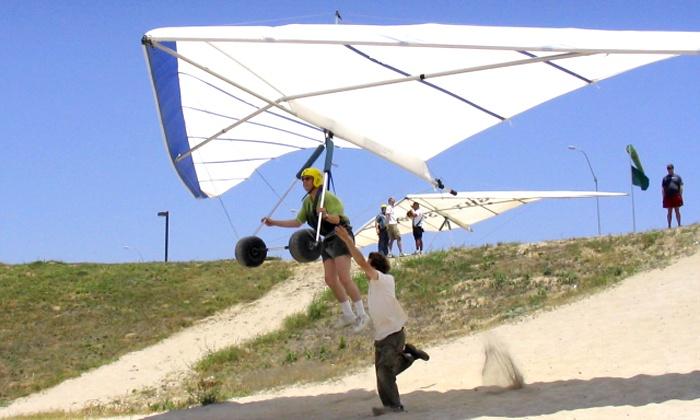 Windsports Soaring Center - El Segundo: $79 for an Intro Hang-Gliding Lesson from Windsports Soaring Center ($140 Value)