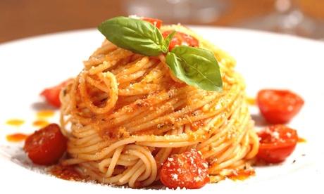 Menú italiano para 2 o 4 con aperitivo, entrante, principal, postre y botella de vino desde 24,95 € en Tre Sorelle Oferta en Groupon
