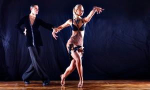 Kilátinum Centro Multicultural: 3 o 6 clases de baile a elegir entre bachata, salsa o kizomba desde 34,95 € en Kilátinum Centro Multicultural
