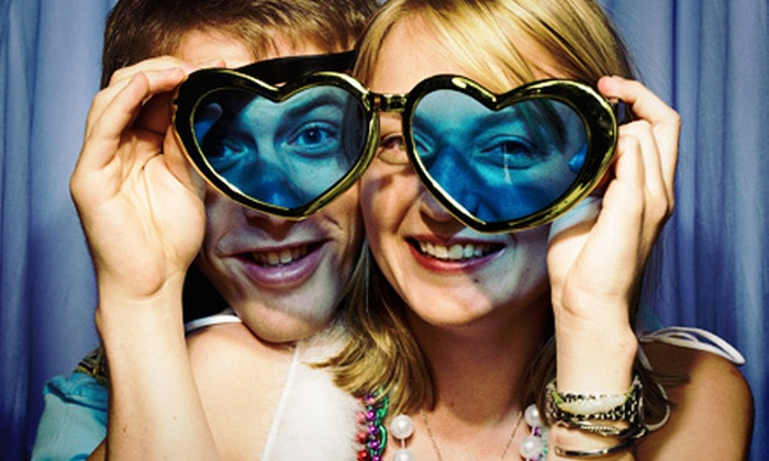 Ohh Snap!! Photo Booth - Tampa Bay Area: $350 for a Three-Hour Photo-Booth Rental from Ohh Snap!! Photo Booth ($700 Value)