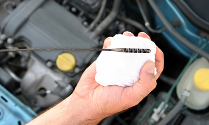Richmond Hill Mitsubishi - Richmond Hill: $29 for an Oil-Change Package with Tire Rotation and Battery Testing at Richmond Hill Mitsubishi ($201.28 Value)