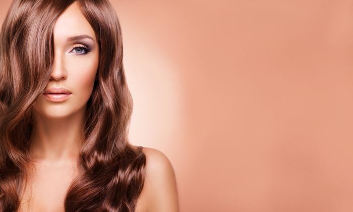 La Bottega Beauty & Spa - Varallo pombia: Taglio, ricostruzione alla cheratina o in più colore ed effetti di luce da 14,99 €