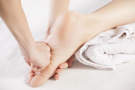 30- or 60-Minute Foot Reflexology Session at Queens Foot Spa (Up to 34% Off)