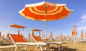 Bagni 14: Ingresso in spiaggia con ombrellone e lettini per uno o 5 giorni, per 2 o 4 persone da Bagni 14 (sconto fino a 83%)