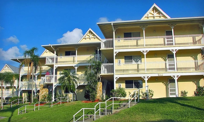 Charter Club Resort Of Naples Bay - Naples, FL: Three- or Four-Night Stay at Charter Club Resort Of Naples Bay in Naples, FL