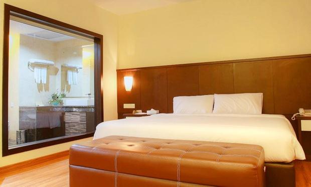 Batam 4* BCC Hotel + Ferry + Taxes 1