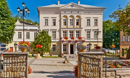 Dolny Śląsk: 2-4 dni dla 2 osób lub 6 dni rehabilitacji dla 1-2 osób z wyżywieniem w Domu Zdrojowym w Jedlinie Zdroju