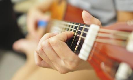 4, 8 o 12 clases de guitarra en 1, 2 o 3 meses con opción a guitarra española desde 24,95 € en Academia del Arte