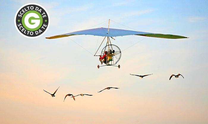 Achille Cesarano - ACHILLE CESARANO: Volo in deltaplano con pilota da 54,90 €