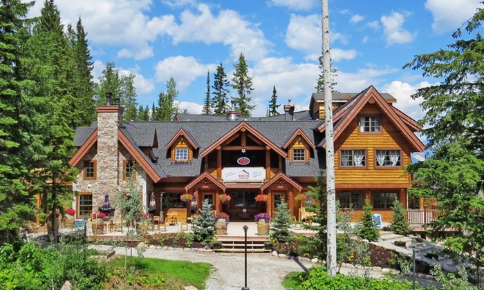 Winston Lodge & Spa - Golden, BC: 2-Night Stay for Two in a Silver or Golden Room at Winston Lodge & Spa in Golden, BC. Combine Up to 10 Nights.
