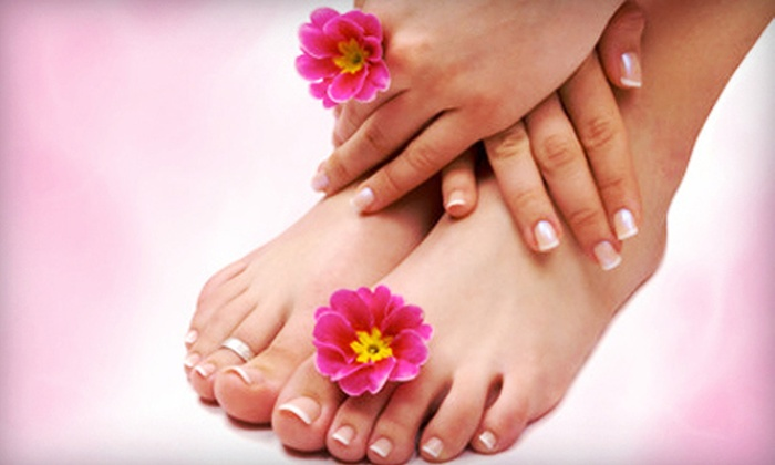 Richmond Beauty Bar - Downtown Toronto: $29 for a Classic Shellac Manicure and Express Pedicure at Richmond Beauty Bar ($60 Value)