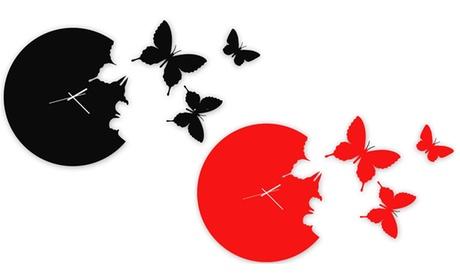 Reloj de pared con mariposas