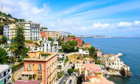Napoli: camera doppia executive per 2 persone con colazione al Palazzo Salgar 4*