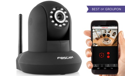Foscam FI9821W V2 HD 1280 x 720p H.264 Wireless/Wired Pan/Tilt IP Camera
