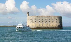 Croisières Inter-îles: Promenade en mer vers Fort Boyard et/ou escale Île d'Aix pour 2 adultes ou en famille dès 20 € au départ de La Rochelle