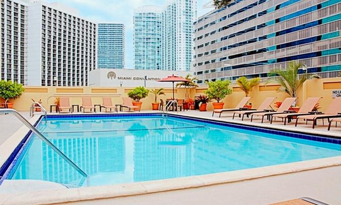 Courtyard Marriott Downtown/Brickell Area - Miami: Stay at Courtyard Marriott Downtown/Brickell Area in Florida