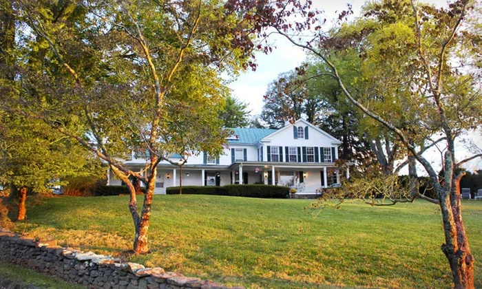 Briar Patch Bed and Breakfast Inn - Middleburg, VA: 2-Night Stay with Wine Tastings, Welcome Drinks, and Chocolates at Briar Patch Bed and Breakfast Inn in Middleburg, VA