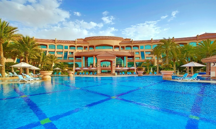 Al Raha Beach Hotel - Abu Dhabi: Family Friday Brunch with Drinks at Al Raha Beach Hotel starting from AED 149 per adult