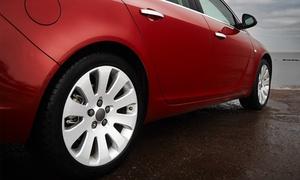 Car Familia Garage: Nałożenie powłoki kwarcowej (od 1200 zł) lub ceramicznej (2500 zł) z myciem auta w Car Familia Garage