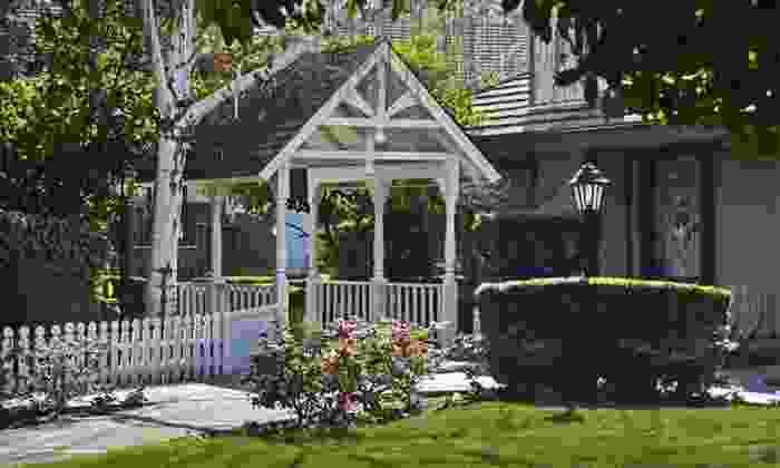 Piccadilly Inn Shaw - Bullard: One-Night Stay with a Restaurant Appetizer at Piccadilly Inn Shaw in Fresno, CA