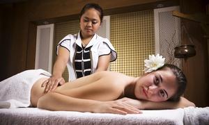 Rose-Thaimassage: Ganzkörper-Thaimassage, Fußmassage, Kräuterstempel- oder Öl-Massage bei Rose-Thaimassage (bis zu 32% sparen*)