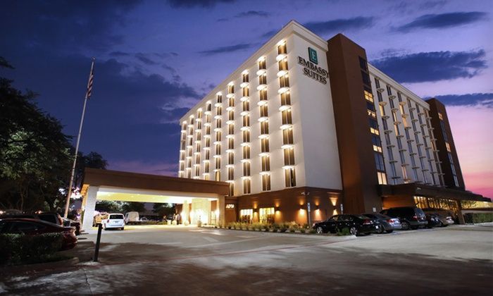 Embassy Suites Dallas - Market Center - Crowne Plaza: One- or Two-Night Stay in a Two-Room Suite with WiFi and Dining Credit at Embassy Suites Dallas - Market Center