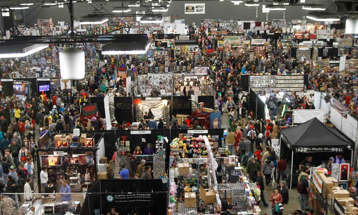Portland Comic Con 2014 Wizard World Convention - Lloyd District: $20 for Portland Comic Con 2014 Wizard World Convention on Friday, January 24 ($39.87 Value)