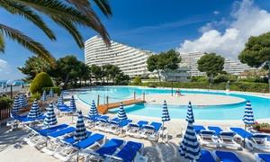 Piscine Le Lagon: Accès piscine à la journée pour 2 personnes en basse ou haute saison dès 25 € à la Piscine Le Lagon