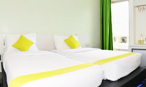 Batam: ACE Hotel + Ferry + Tour 1