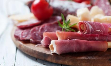 Menú para 2 o 4 personas con ración, tabla de 4 tostas, postre y botella de vino o bebida desde 16,95 € en Bacciu