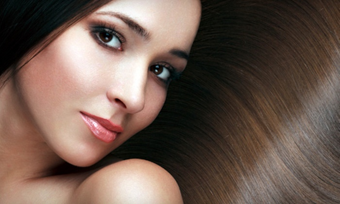 Paradiso Salon - Verona: Haircut and Deep-Conditioning Treatment with Two or Four Optional Blowout Visits at Paradiso Salon (Up to 71% Off)