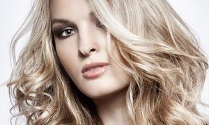 Fryzjer Polski: Strzyżenie z masażem głowy (44,99 zł) lub koloryzacją (89,99 zł) i więcej opcji w salonie Fryzjer Polski (do -50%)